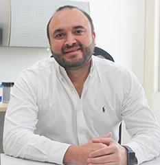 Óscar Ospina, gerente Comercial de Baterías MAC